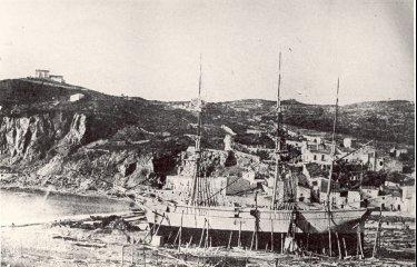 A Sant Feliu es construí un vaixell que naufragà el seu primer dia?